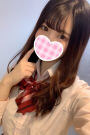 3/1体験入店初日しなも(JK上がりたて18歳)